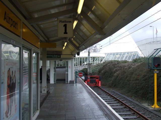 Newcastle Airport Metro station